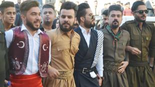 طلاب جامعة كركوك يحتفلون بيوم الزي القومي