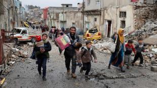 صور من الموصل.. هروب المدنيين من سيطرة داعش