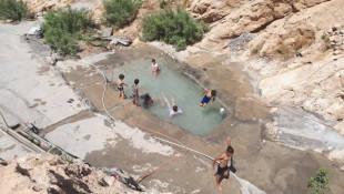 Genç insanlar bir turizm tesisi Bahzani'de inşa ettiler
