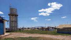 مياه مخيم شيخان المُرّة تفاقم مرارة الحياة في النزوح