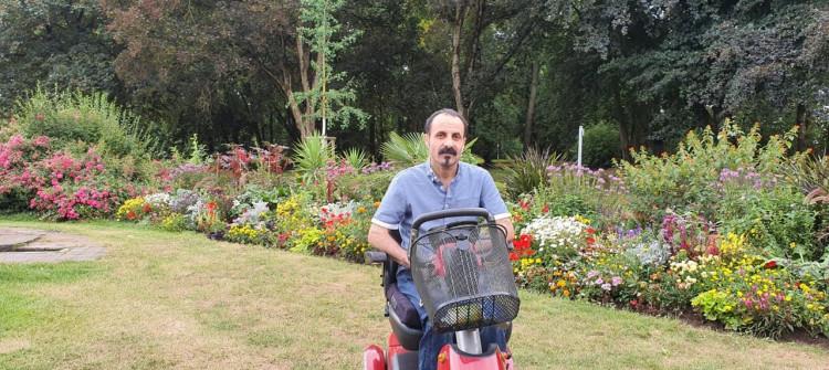 Saman Kakayi: Koronavirüs vatanıma dönmemi engelledi