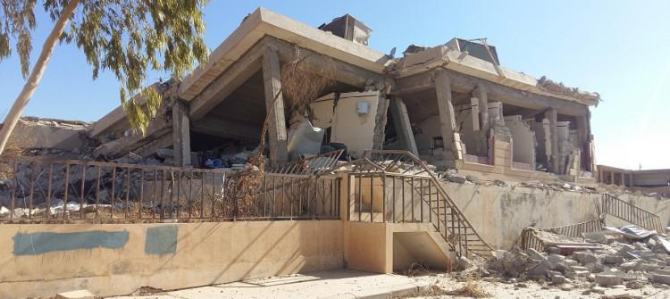 خوفا من تفخيخ منزلهم<br> عائلة تزجُّ بابنها المعاق لتأكد من خلو المنزل من المتفجرات