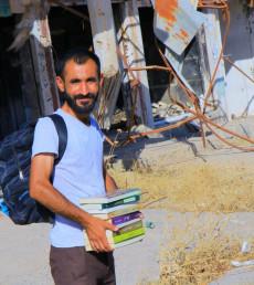 كاميران تحدى الحروب والدمار بالكتب والثقافة