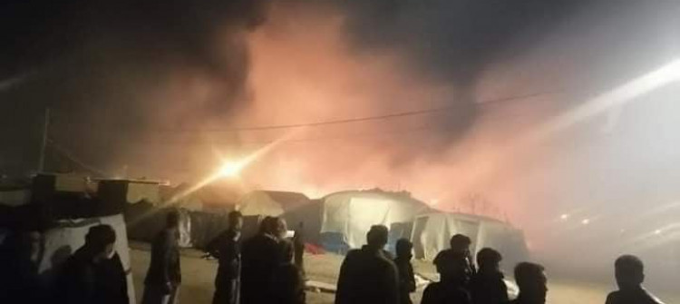 مصرع نازح ايزدي وثلاثة من اطفاله بحريق شب في مخيم بیرسیف