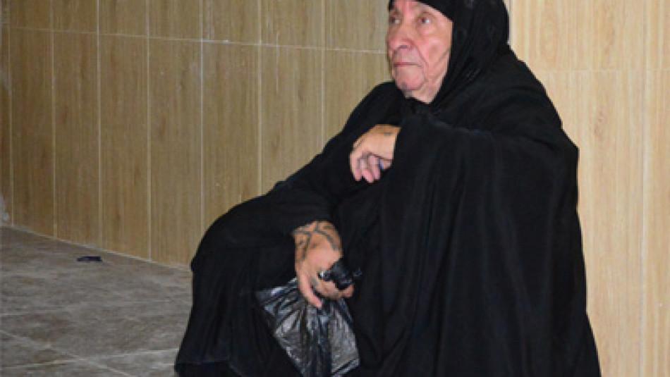 مياسة في عقدها الثامن: تطالب بقطعة ارض تأوي ايتام أولادها