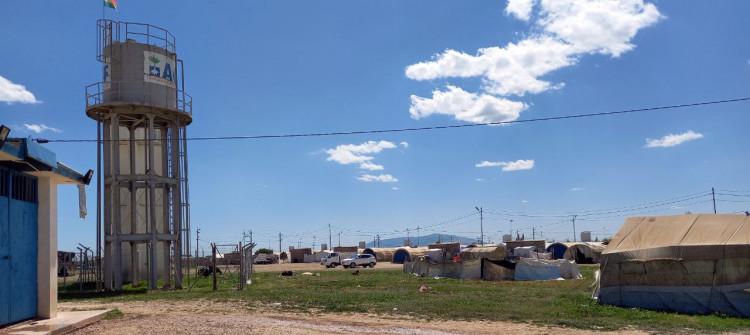 Şehan kampında göçmenler içme suyundan mahrum