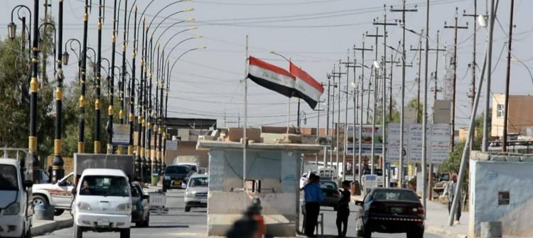 Bağdat, Şengal'deki silahlı grup ve partilerin flamasını indiriyor
