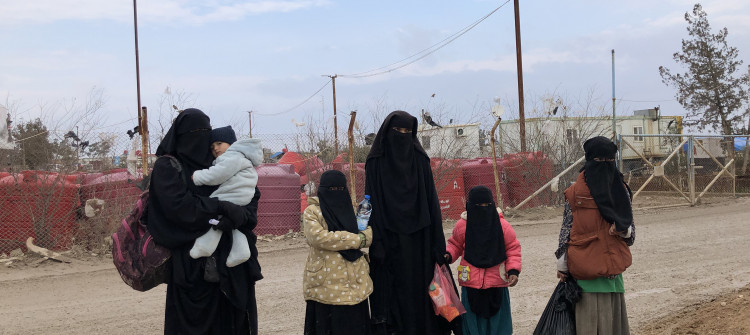 "كەمپی هۆل چۆڵدەكرێت؟<br>""حەوت هەزار ژن و منداڵی سەر بە داعش"" كەمپەكەیان بەجێهێشتووە"