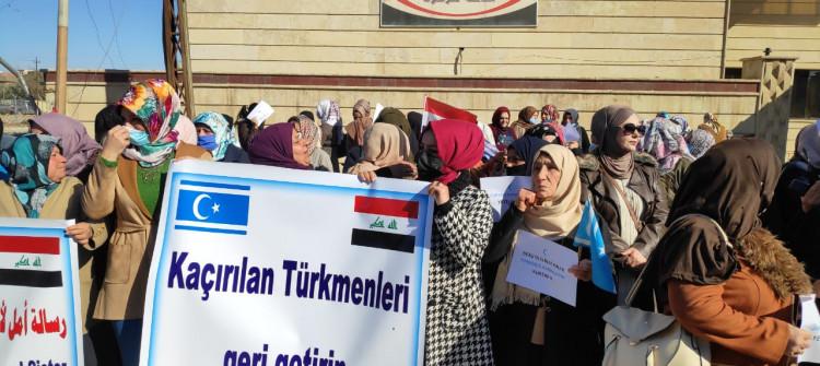 Türkmen kadınlar, IŞİD'in kaçırdığı 1300 kayıp Türkmen'in kaderini soruyor
