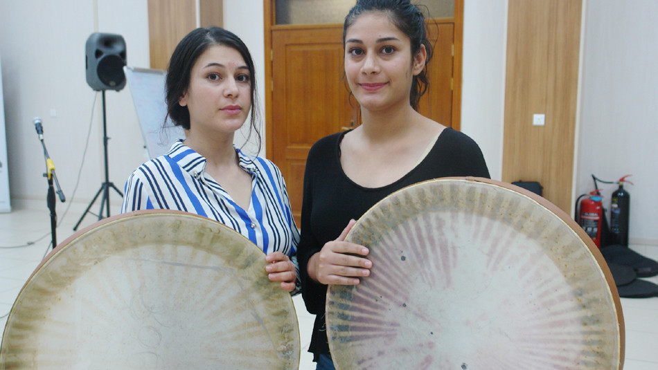 Ezidi girls pursue their passion for music in displacement