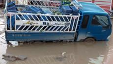 Big potholes of Mosul-Baghdad road causes traffic accidents