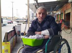 Hasan amca 22 yıldır seyyar satıcılık yapıyor