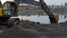 حكومة نينوى تبدأ بإنشاء جسر عائم والسكان يقولون: لا للحلول الترقيعية