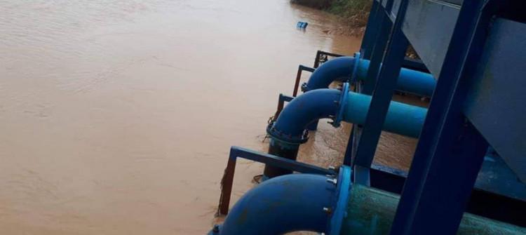 في الموصل.. محطات المياه تضخ مياهاً معقمة لكنها تصل ملوثة إلى المنازل