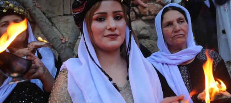 """في زمن النزوح والكورونا<br> الايزيديون يحتفلون بعيد """"الاربعاء الاحمر"""""""