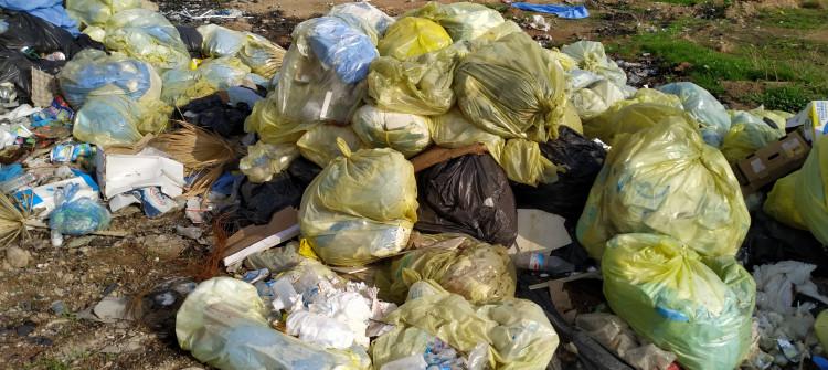 Medical waste of Kirkuk's Azadi hospital left on a street