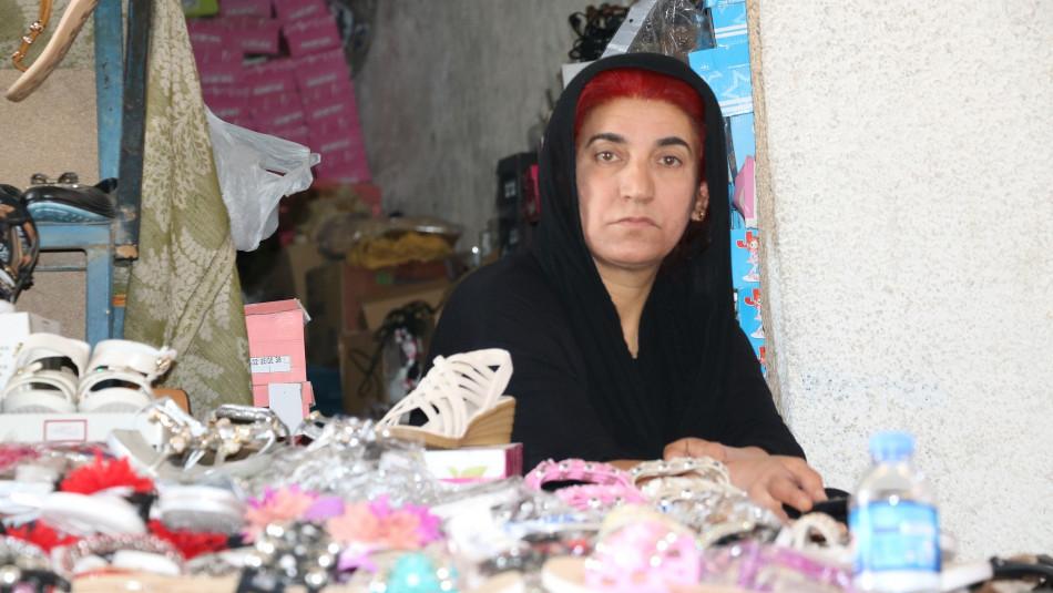 كولالة عثمان حولت معاناتها الى قصة تحدٍ فوصلت بأسرتها لبر الامان