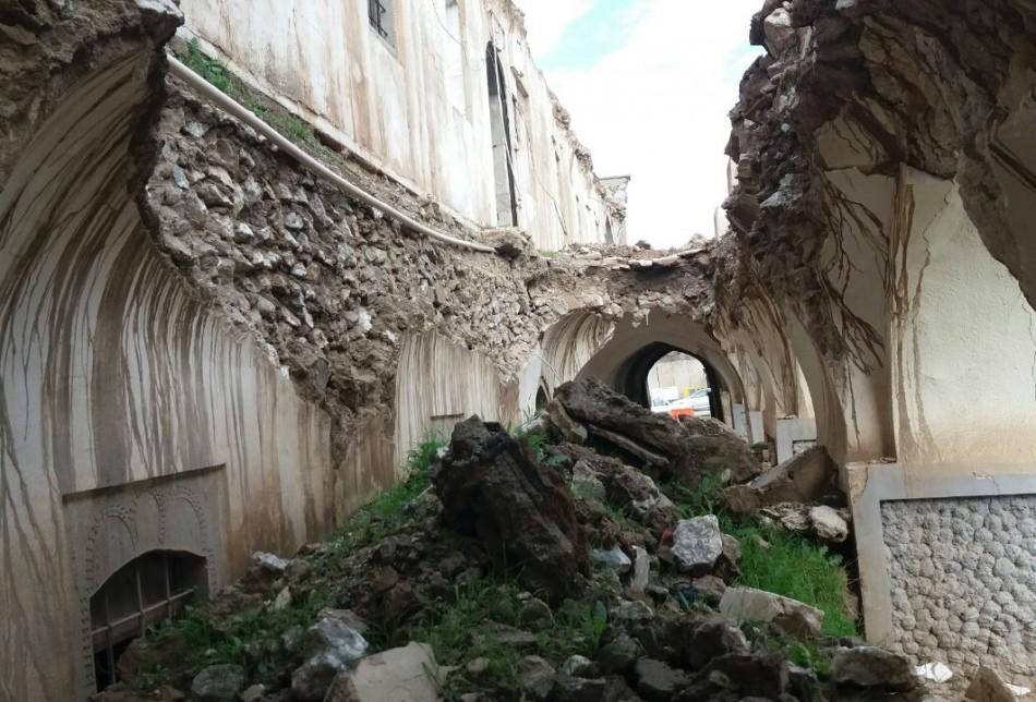 Birçok kısmı yağmurdan dolayı yıkılmış