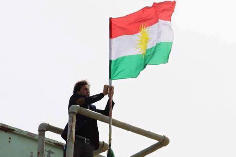علم اقليم كوردستان في كركوك بين امر الواقع والقانون