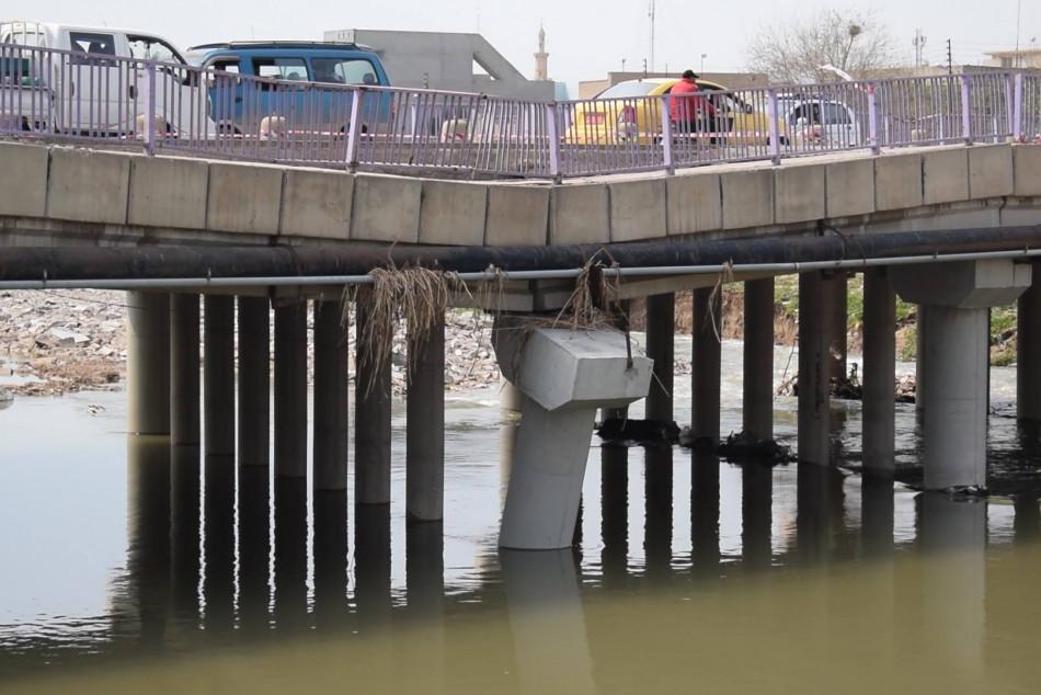 """""""كل جسر وقتي هو عبارة وكارثة"""" ..موصليون يحذرون من فاجعة أخرى وضحايا"""